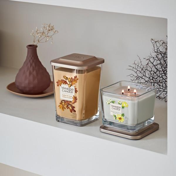 Image de la catégorie Elevation Nouveau Parfums d'automne